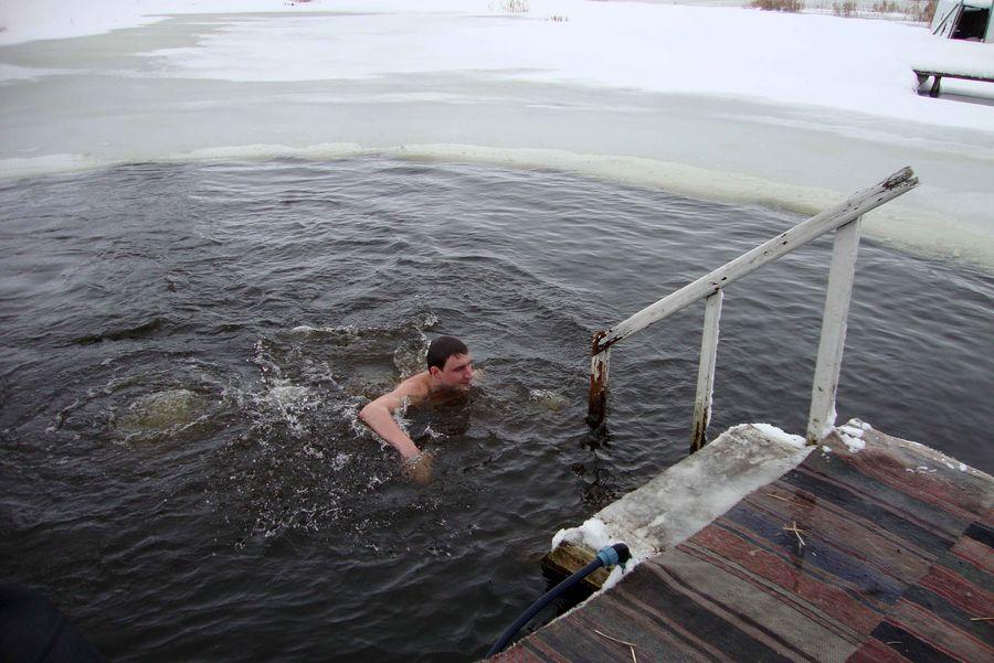 У Чорнобаї Водохреще відсвяткували купанням та освяченням води