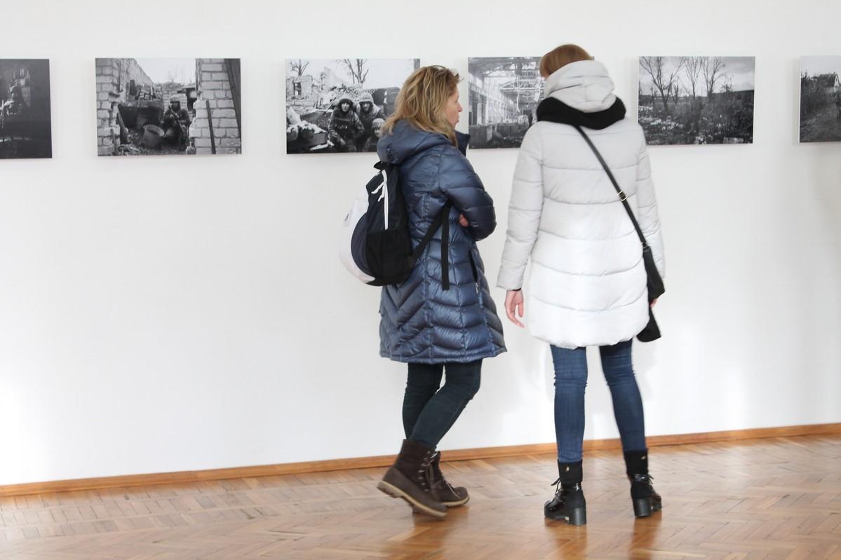 У Черкасах презентували фотовиставку «PROMKA»
