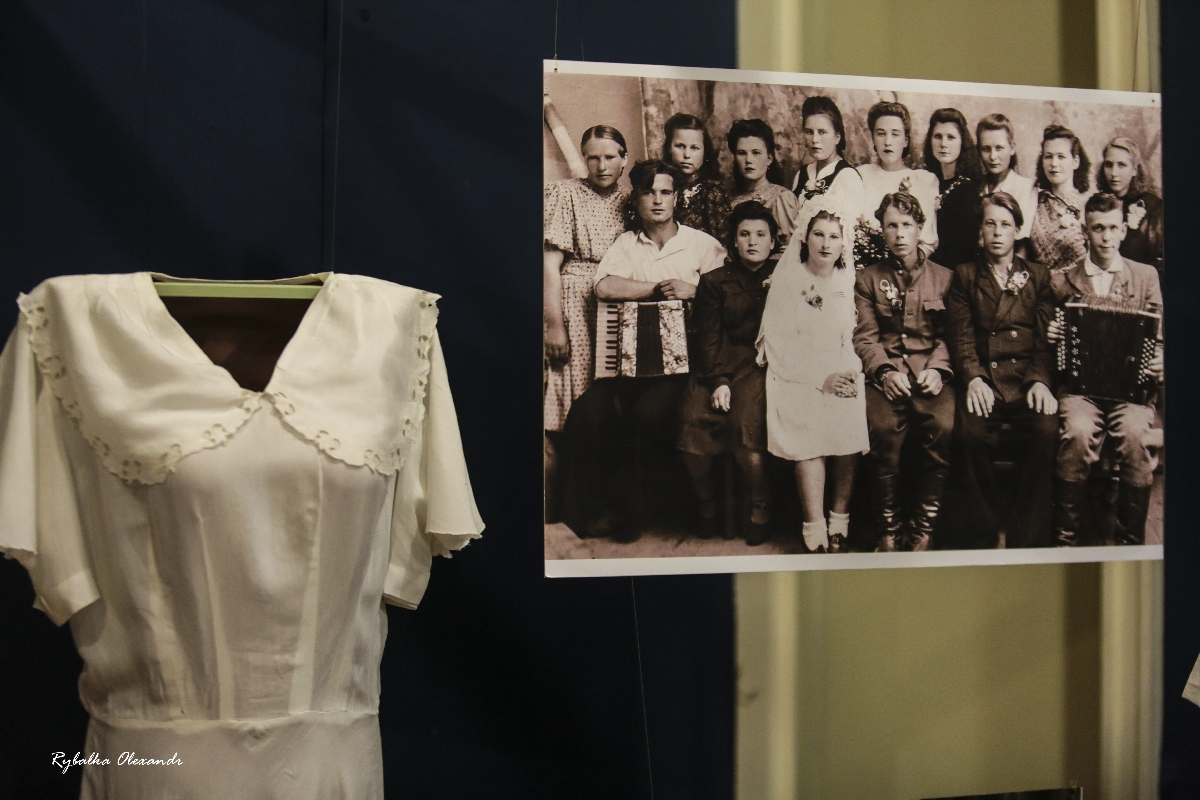Виставка «Весільна мода 1950-1990-ті рр. Інший погляд»