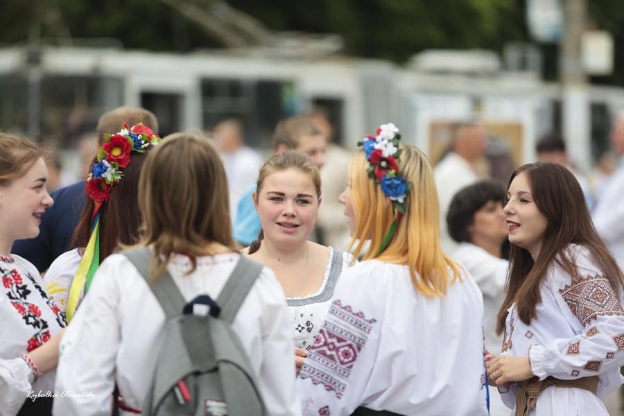 Святкова хода до Дня вишиванки відбулася у Черкасах