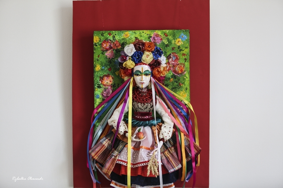 Перша персональна виставка авторських ляльок Дар`ї Жук