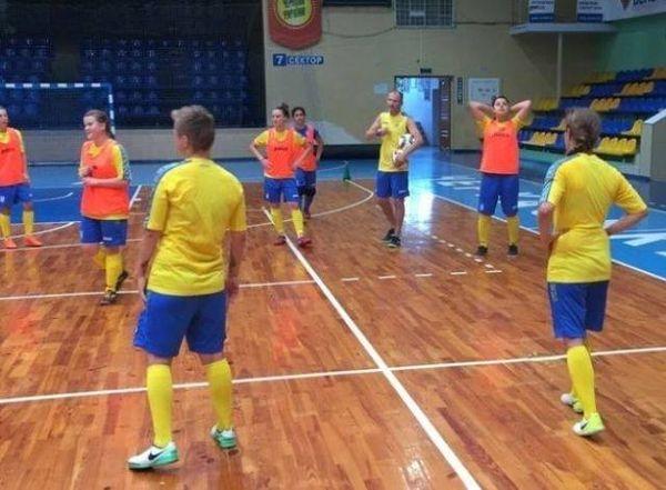 Черкаська жіноча збірна з футзалу готується до чемпіонату світу