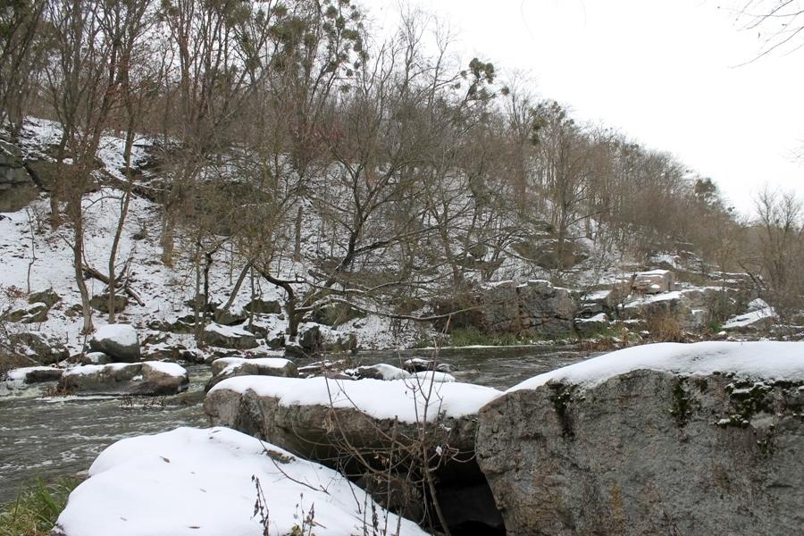 Буцький каньйон у сніговому мереживі