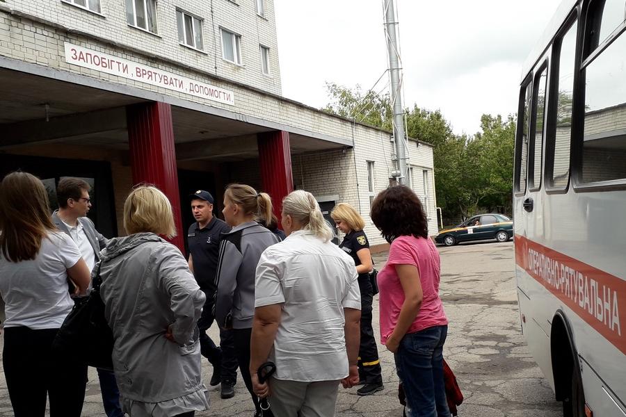 Черкаські рятувальники вляштували екстрим-тур для журналістів