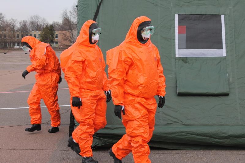 Черкаські рятувальники, лікарі та поліція тренувалися боротися з коронавірусом