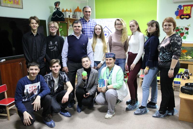 «Наукову хатку» презентували в Черкаському онкодиспансері