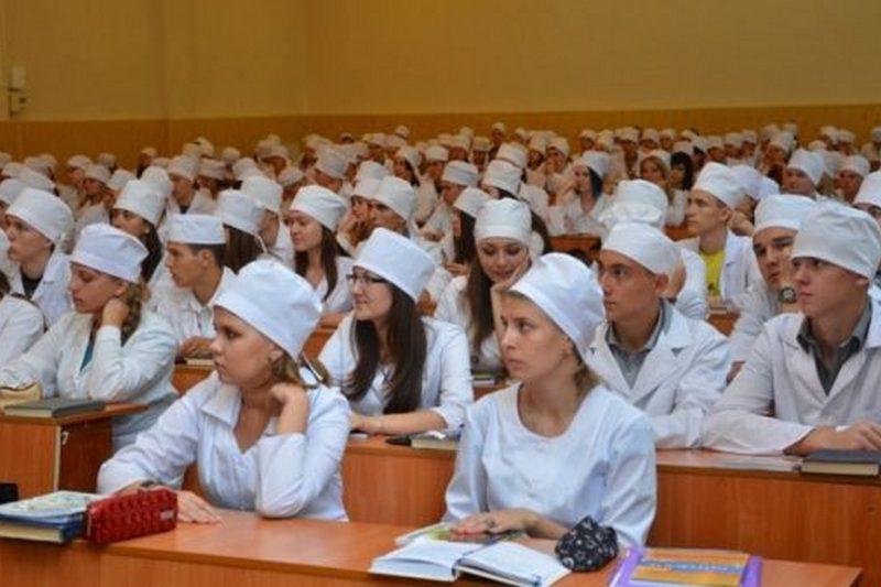 Кому потрібні українські медсестри?