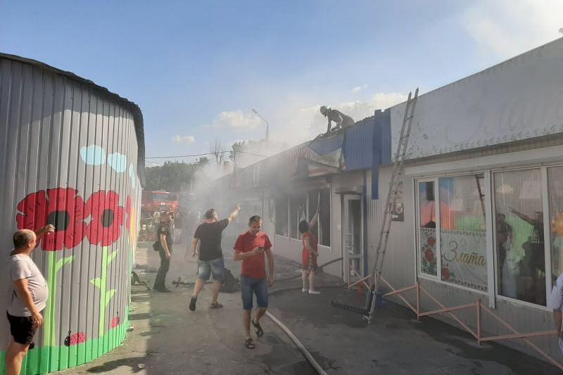 У Каневі загорівся міський ринок