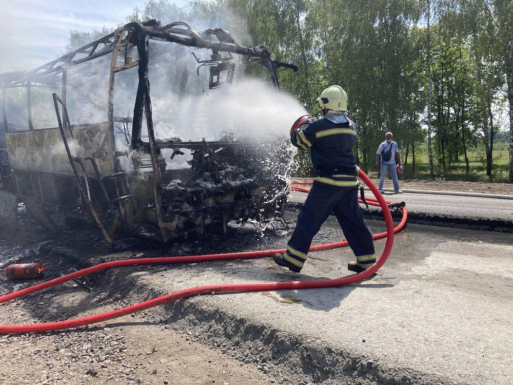 На Золотоніщині вщент згорів рейсовий автобус