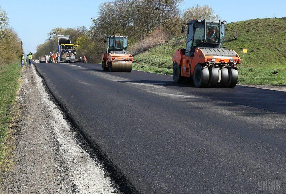 У регіоні продовжуються будівельні роботи на трьох ділянках доріг державного значення