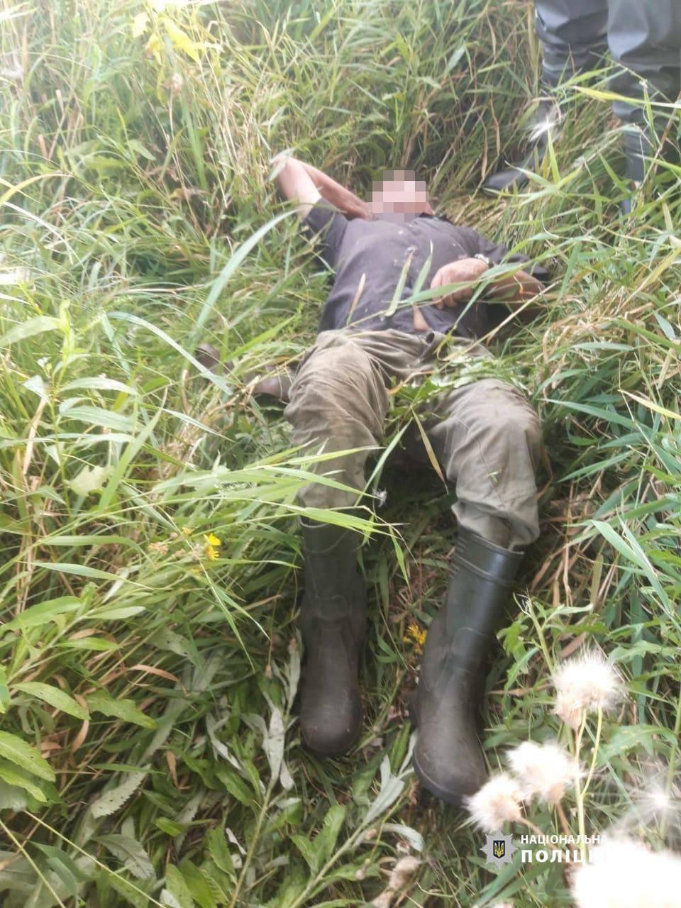 Черкаські поліцейські добу шукали пенсіонера, який зник на полюванні