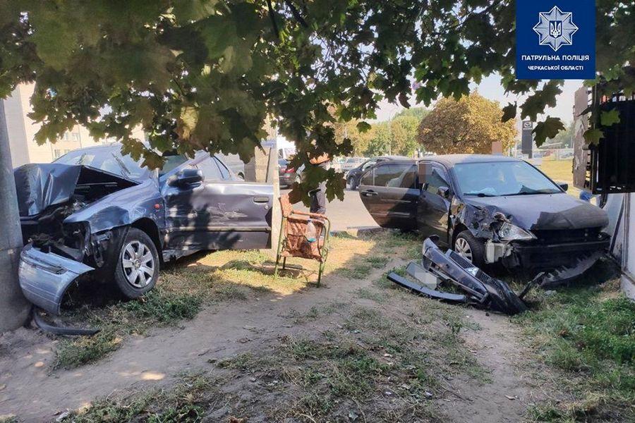 У Черкасах патрульні виявили ознаки сп'яніння у водія, який потрапив в ДТП