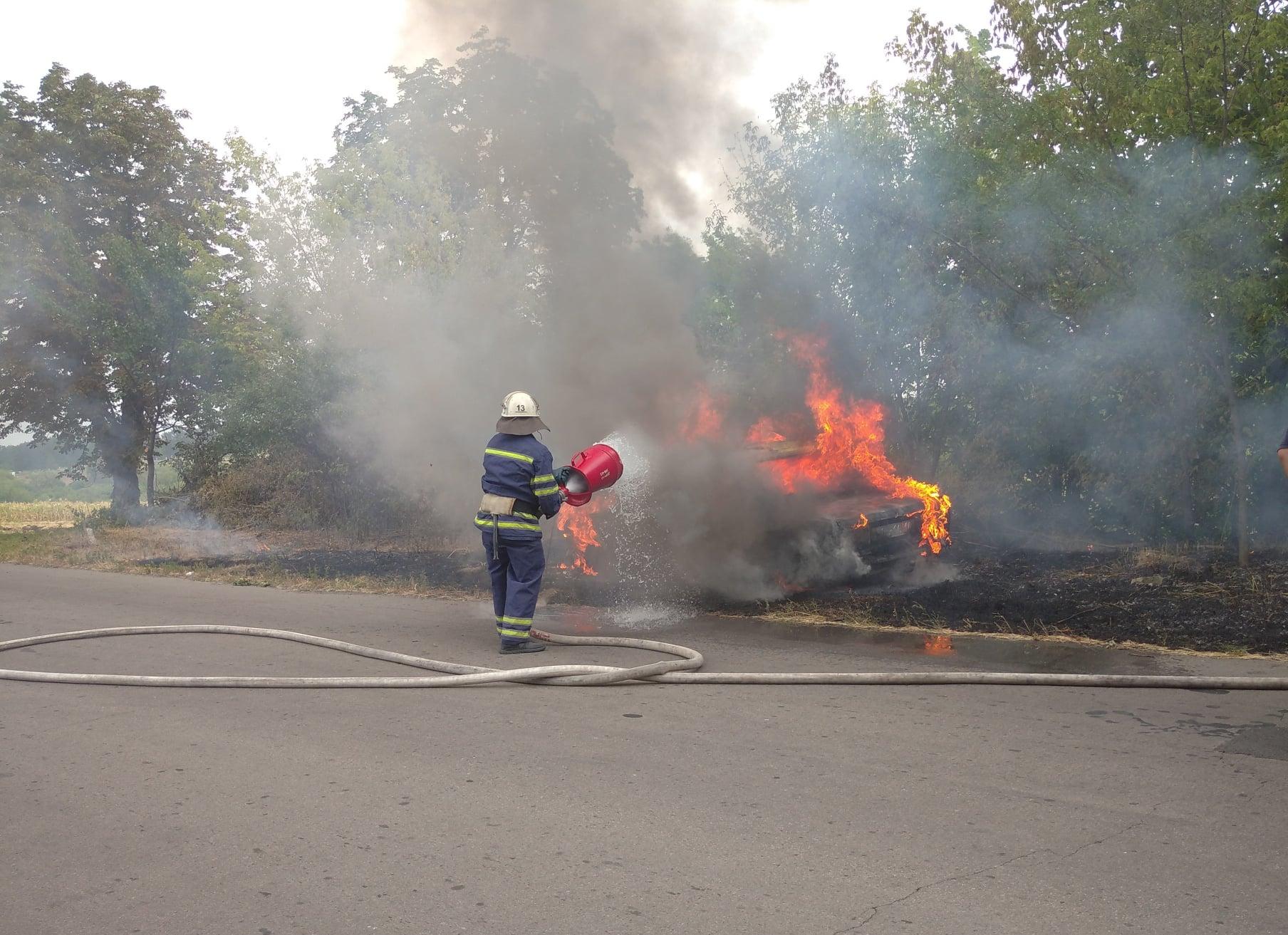 На Тальнівщині пожежники ліквідували пожежу автомобіля