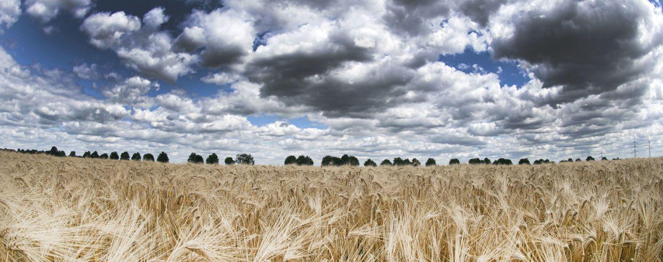 Мінлива хмарність та короткочасні дощі: погода на вівторок