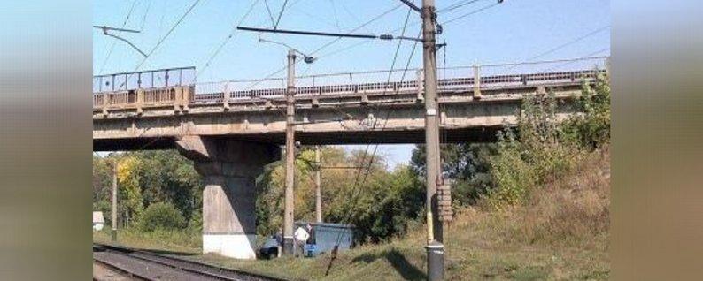 Черкаський школяр упав на електродроти над залізничними коліями