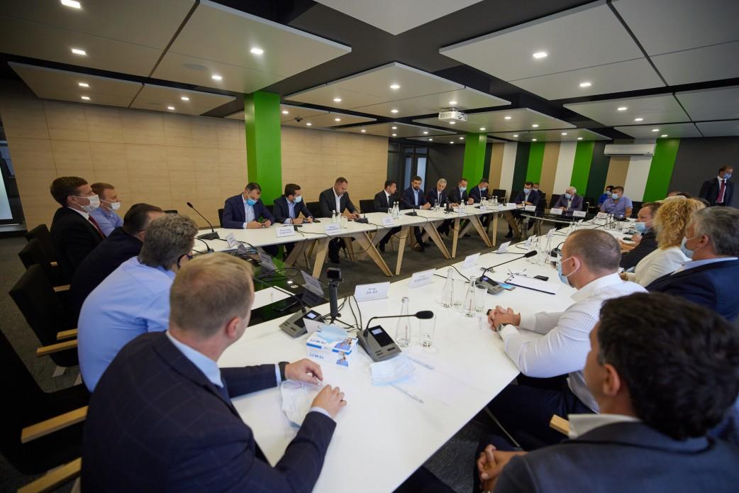 Президент зустрівся з представниками бізнесу Черкащини