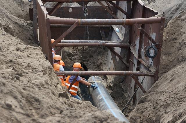На головному каналізаційному колекторі Черкас тривають ремонтні роботи