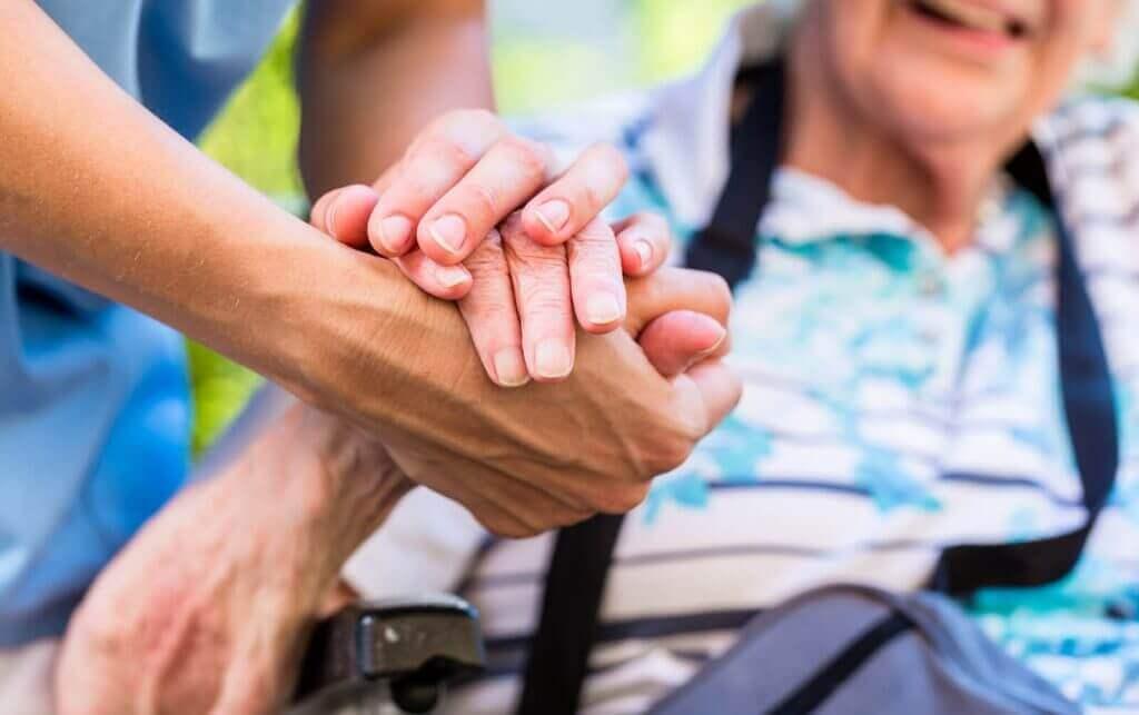 Практичні поради щодо догляду за паліативними хворими