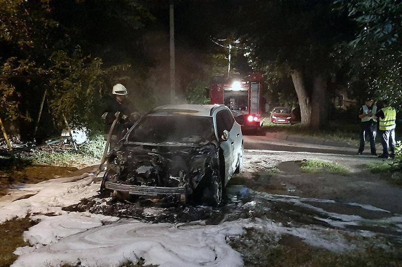 У Черкасах згорів автомобіль
