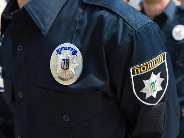 У Черкасах поліцейські виявили у чоловіка понад 80 пакетиків із марихуаною (ВІДЕО)
