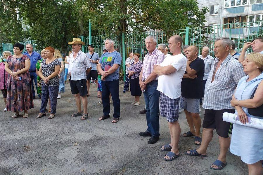 У Черкасах «вільні демократи» вимагають зупинити будівництво супермаркету в спальному районі
