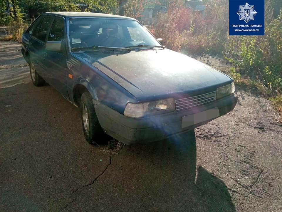 На Черкащині патрульні знайшли викрадений автомобіль