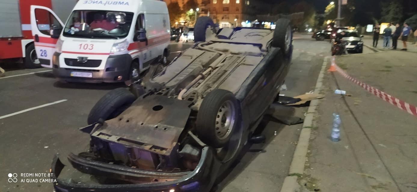 Смертельна ДТП з переворотом сталася у центрі Черкас