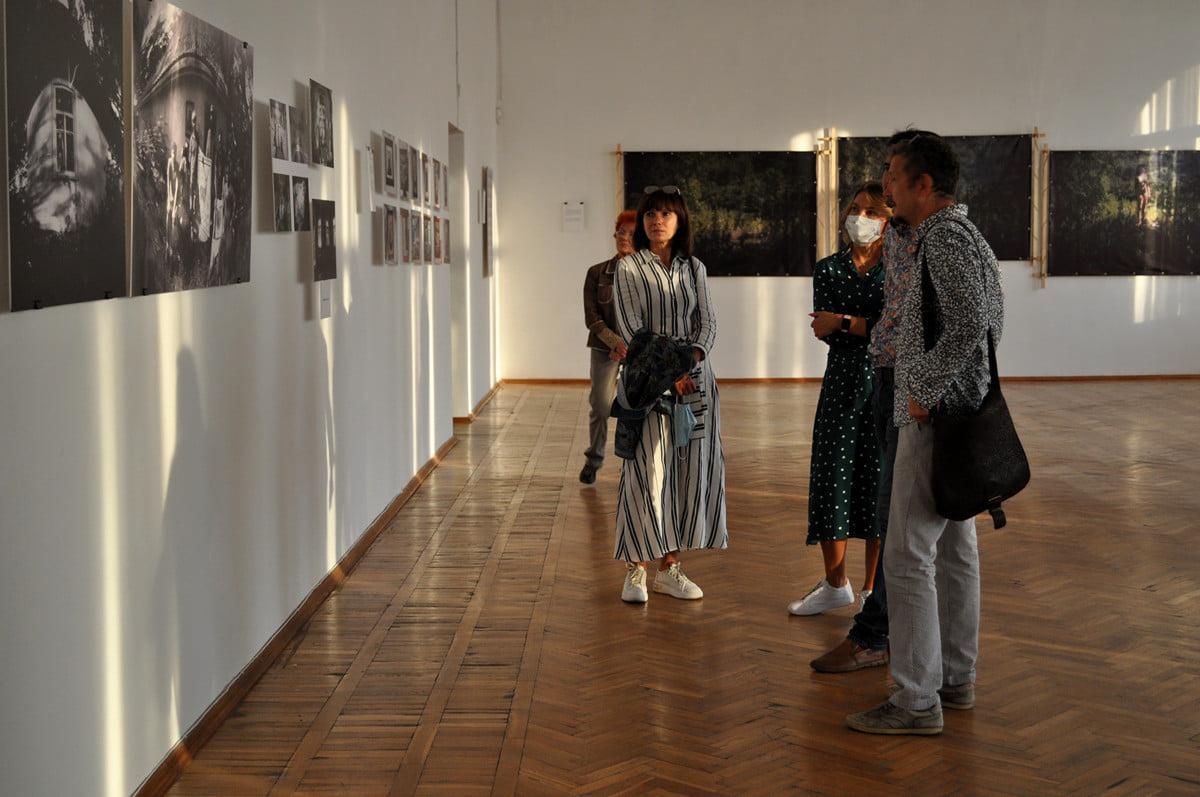 У Черкасах триває фотовиставка про Трахтемирів