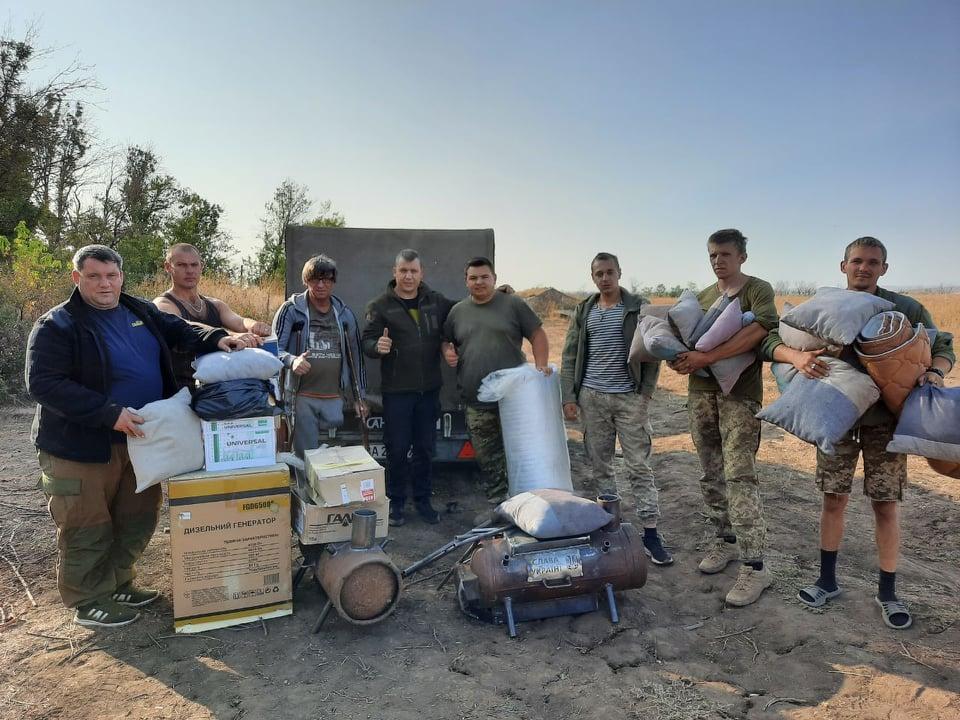 Черкаські волонтери доставили гуманітарну допомогу захисникам на схід