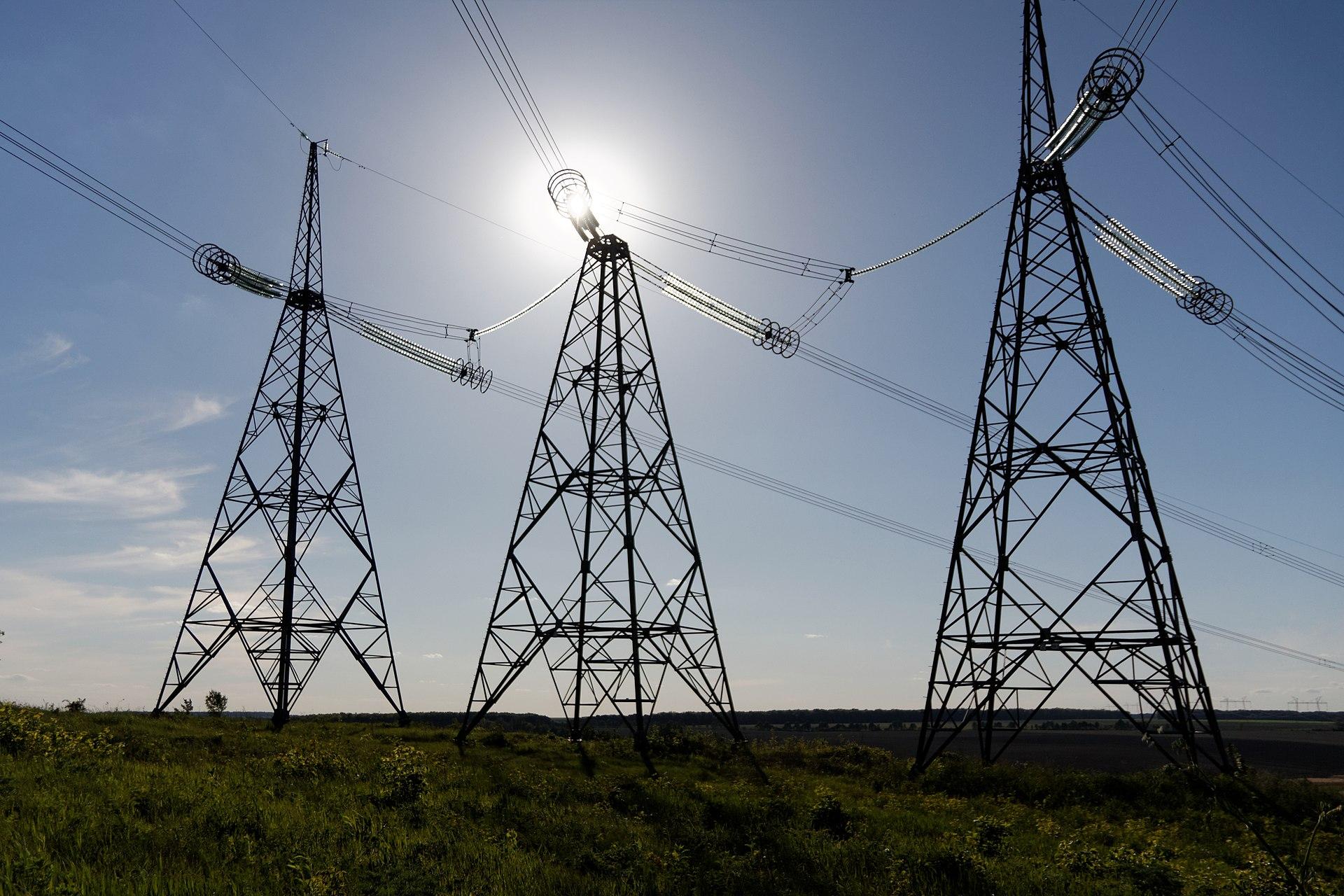 На Черкащині через сильний вітер без світла залишилися десять населених пунктів