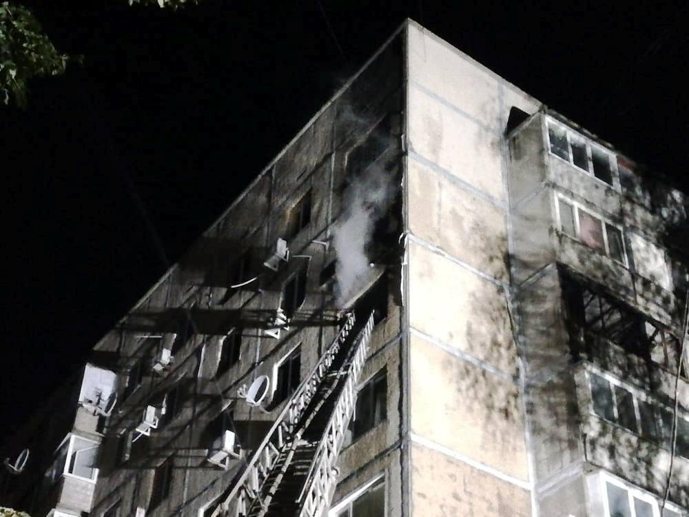 У Черкасах вогнеборці евакуювали шістьох осіб