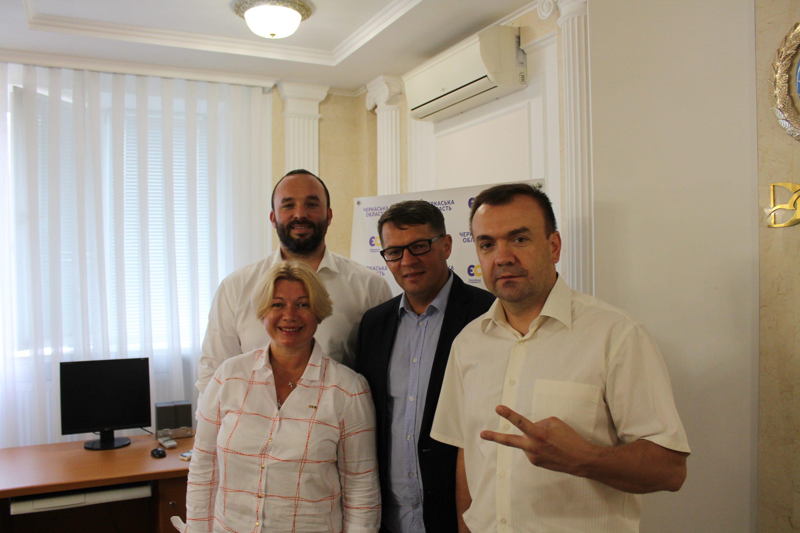 Політв'язень Кремля Роман Сущенко поведе команду ЄС до обласної ради