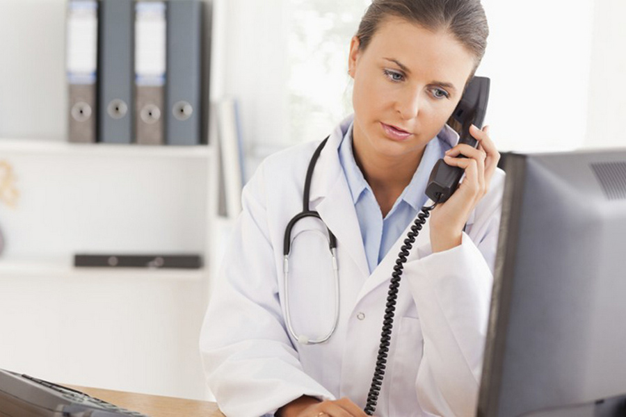 У Черкасах діють телефони психологічної допомоги лікарям