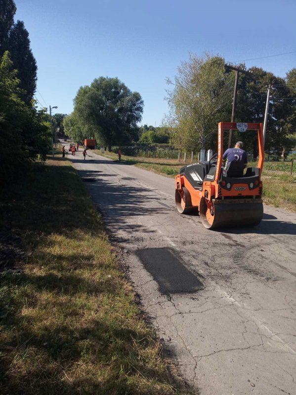 На Тальнівщині ремонтують автошляхи