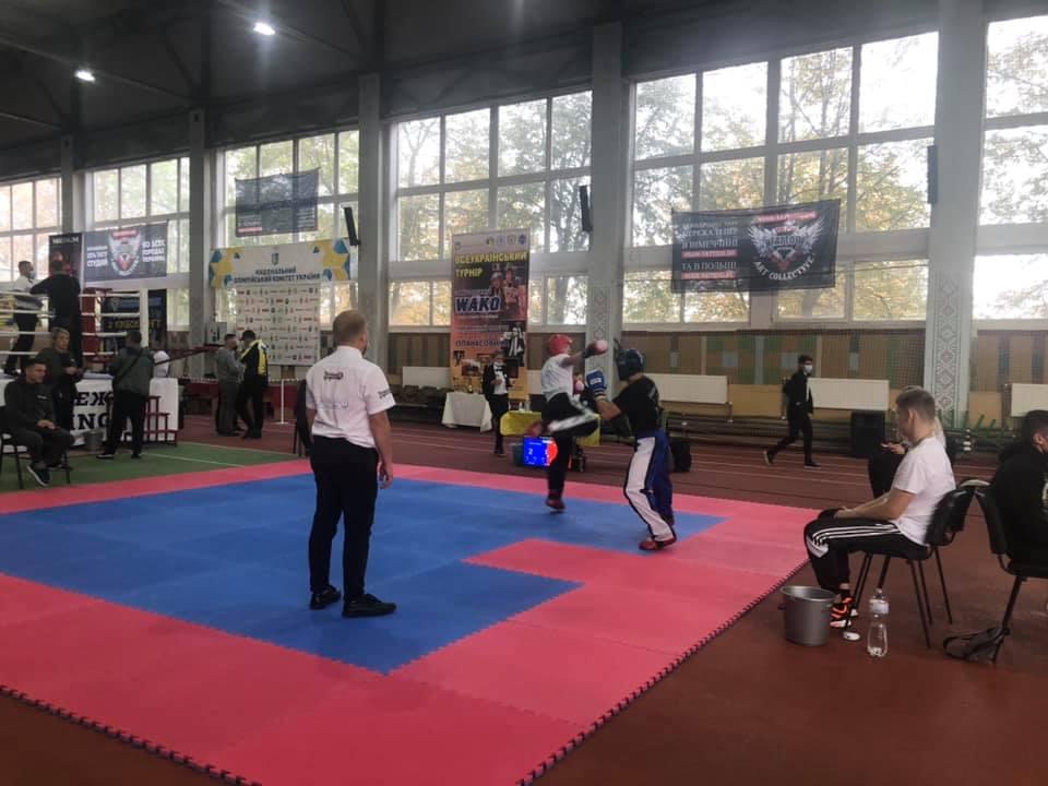 Кубок України та Всеукраїнський турнір з кікбоксингу розпочались у Черкасах