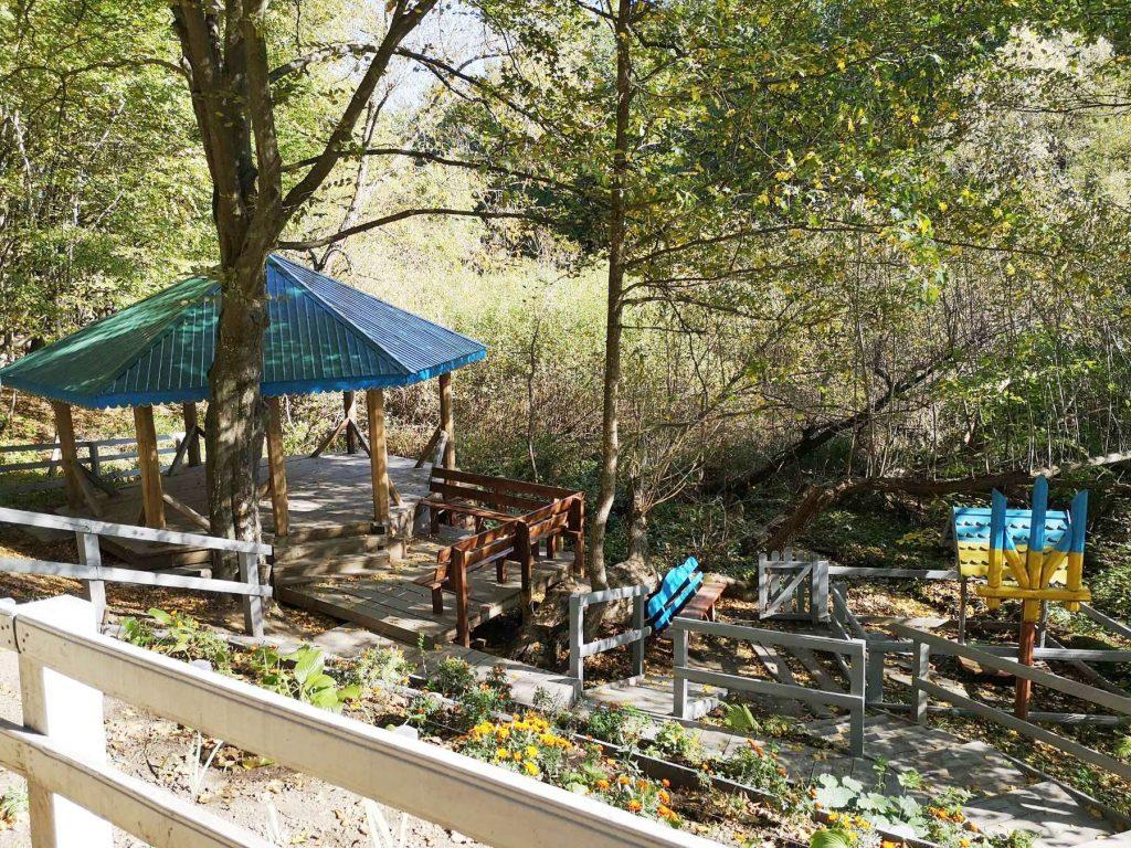 На Черкащині лісівники облаштували рекреаційний пункт біля лісового джерела