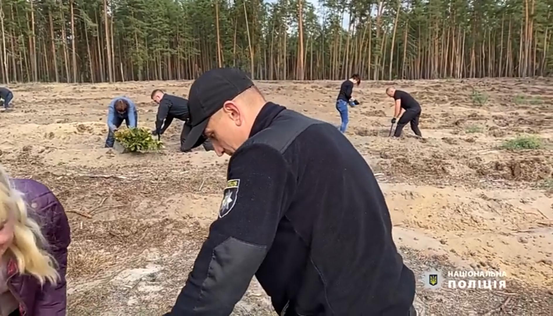 У Черкасах поліцейські долучились до всеукраїнської екологічної акції