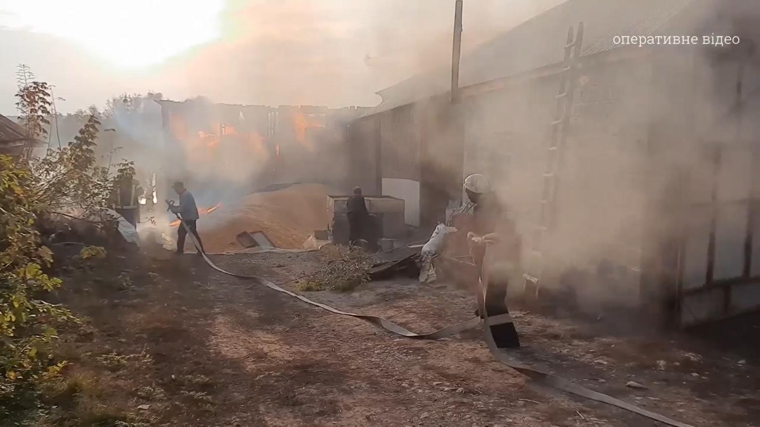 На Черкащині загорілася будівля зі свійськими тваринами