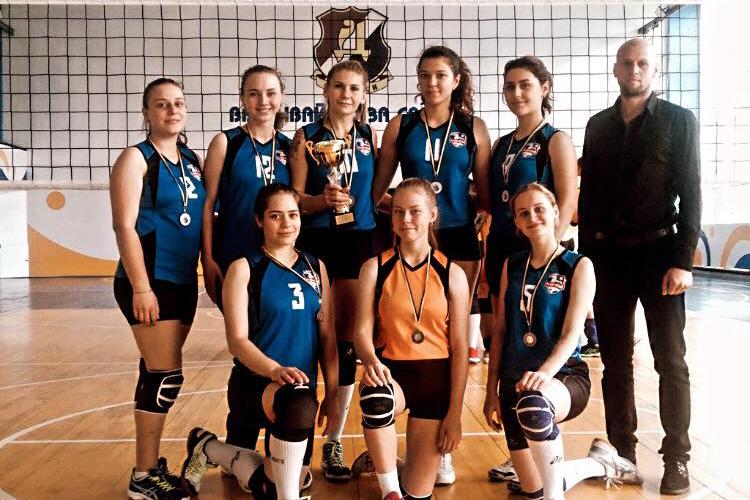 Жіноча волейбольна команда ЧНУ перемогла в чемпіонаті