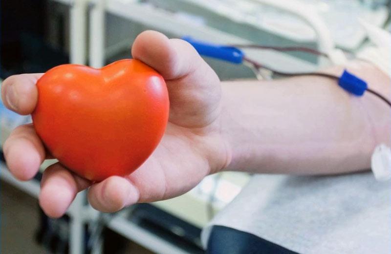 Обласний центр служби крові запрошує стати донором під час карантину вихідного дня