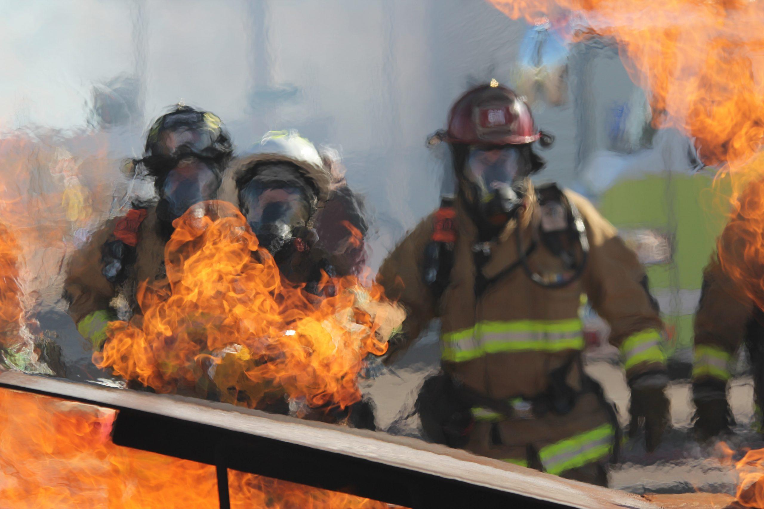 У Черкасах пожежники врятували пенсіонерку
