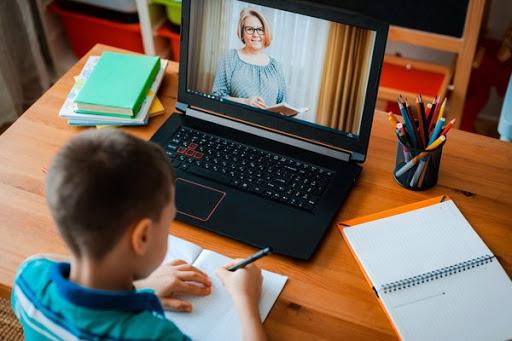 МОН рекомендує ЗВО перейти на «змішану» форму навчання