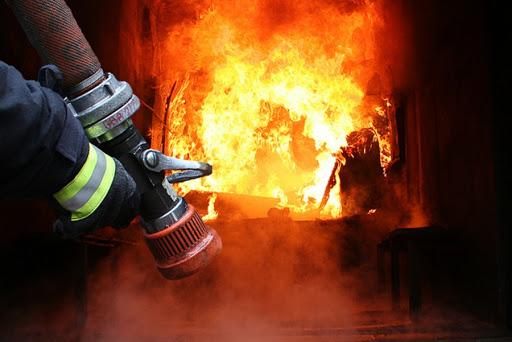 У Черкасах рятувальники ліквідували масштабну пожежу