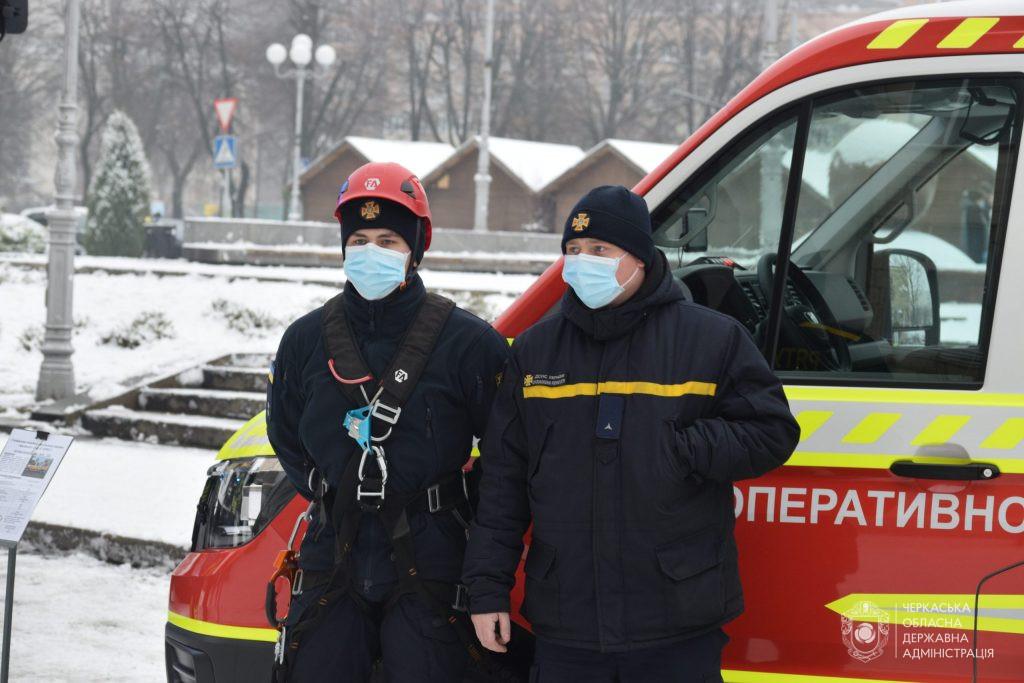 Черкаські рятувальники працюватимуть у посиленому режимі на новорічні свята