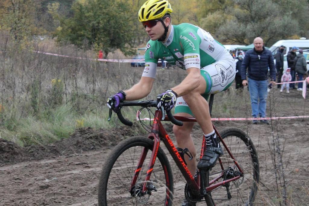Велосипедист із Черкас увійшов до складу професійної шосейної команди