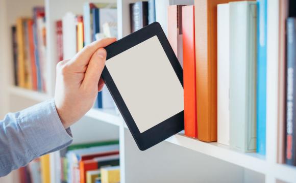 В Україні школи почали підключати до безкоштовного сервісу електронних журналів і щоденників