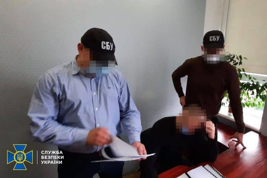 Викрито експосадовця Черкаської ОДА, який завдав збитків державі