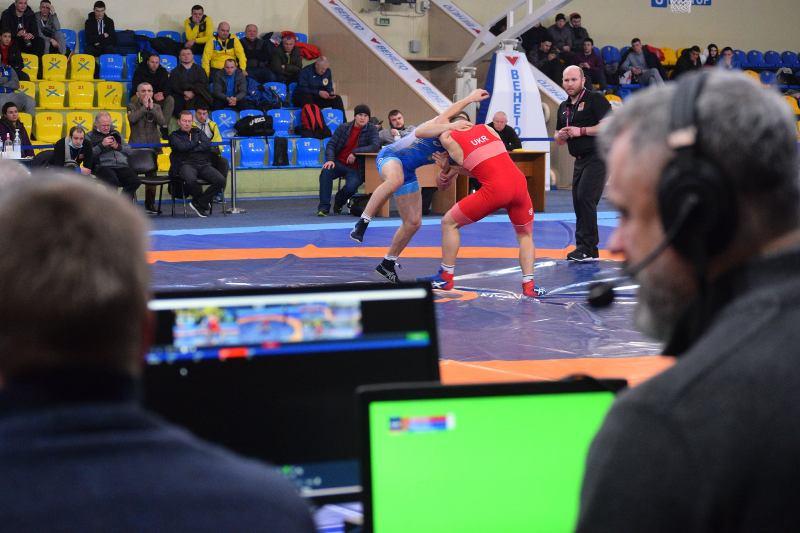 Понад півсотні спортсменів змагаються за Кубок України з греко-римської боротьби в Черкасах