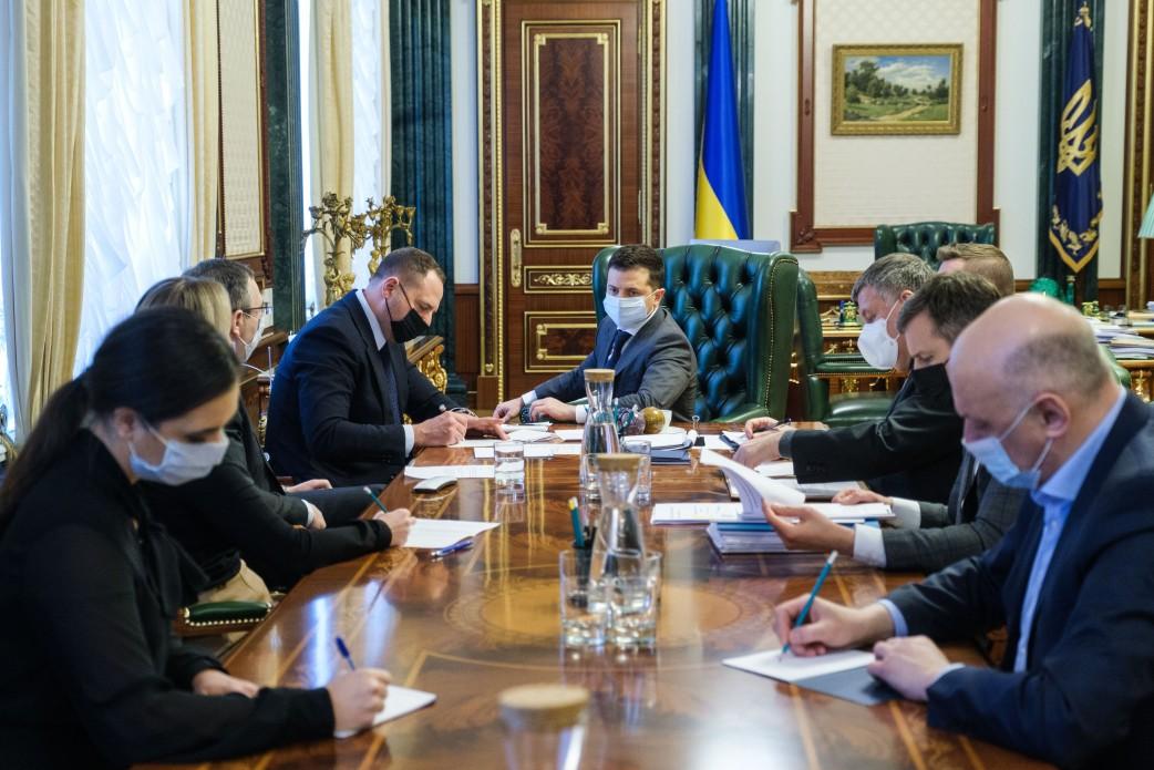 Вакцина від COVID-19 згодом надійде в Україну