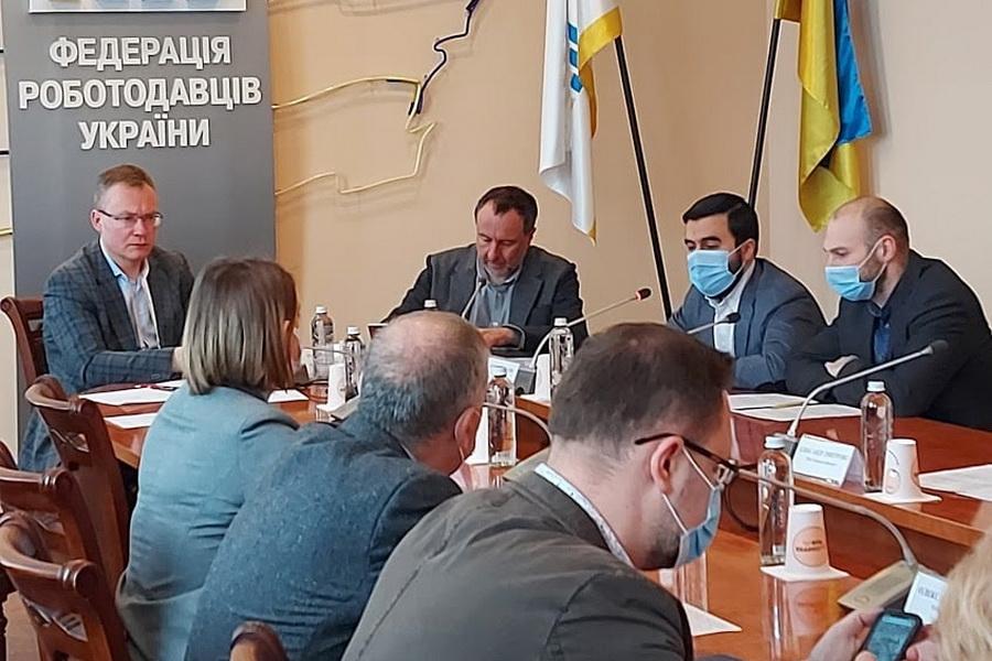 Черкаські підприємства «Группа Венето» та «Віва-трейд» – серед лідерів-виробників «ковідної» продукції